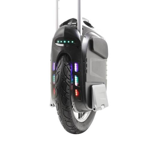 Gotway MSuper X (1600 Wh): включенная LED- подсветка